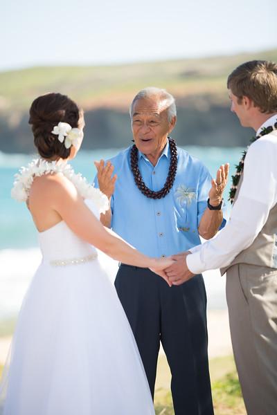 gillin beach kauai wedding-89.jpg