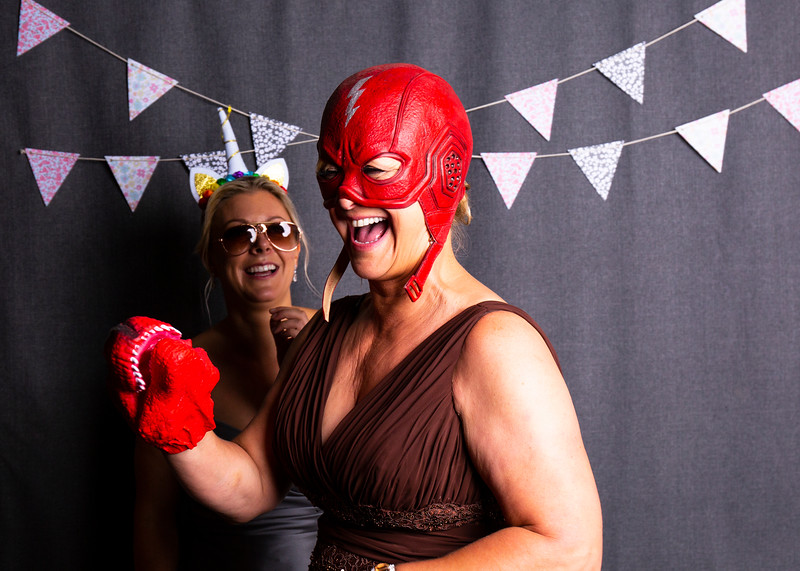 Montreal_Wedding_Photographer_Lindsay_Muciy_Photography+Video_M&E_PHOTOBOOTH_10.jpg