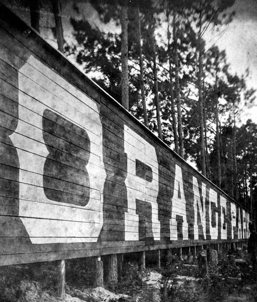 The largest Sign in America, at 200' long x 15' high, during 1890s. Courtesy of the State Archives of Florida, Florida Memory, http://floridamemory.com/items/show/6506