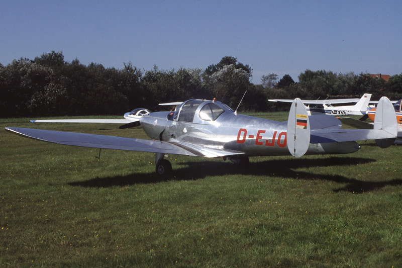 D-EJOR-ErcoErcoupe 415D-Private-EDWG-2002-09-03-MM-02-KBVPCollection.jpg