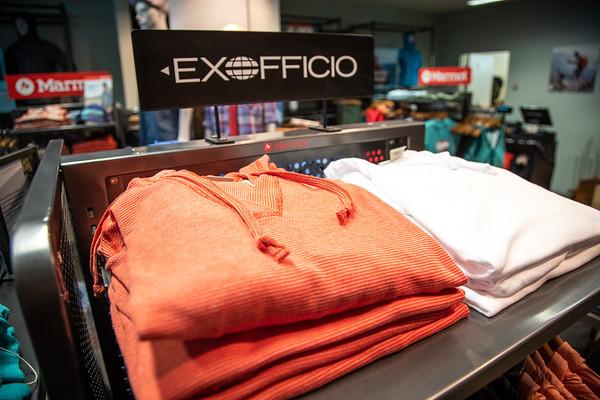 ExOfficio, A Gates, Center Core