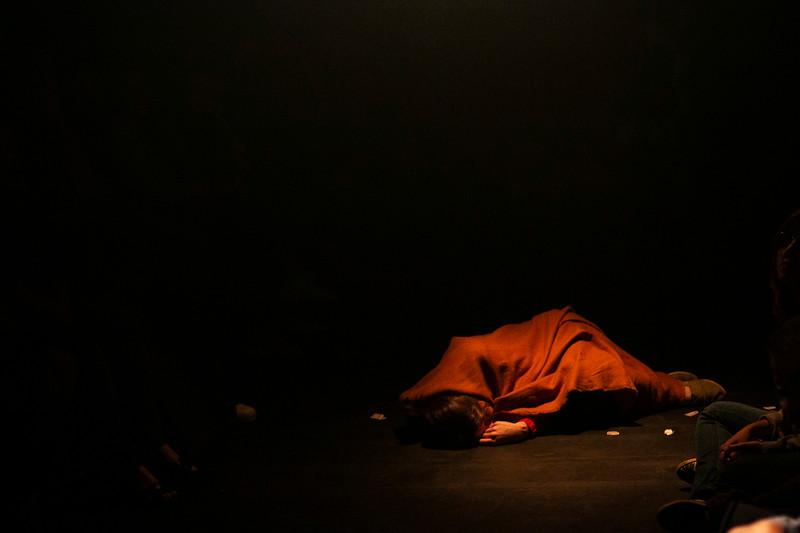 Allan Bravos - Fotografia de Teatro - Indac - Migraaaantes-212.jpg