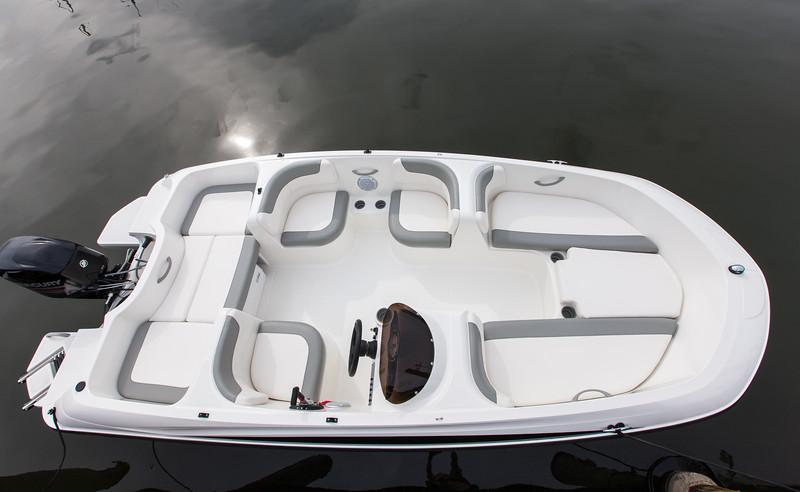 element e16 bayliner boats