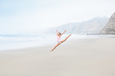 Dancer Portfolio Photography in La Jolla - Dancing photography at the beach for Bianca Vezzali - April 2019
