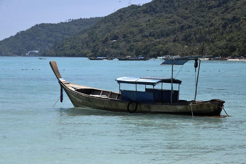 _DG17386-12R Old Boat.JPG
