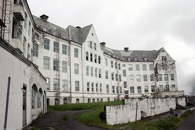 Luster Sanatorium