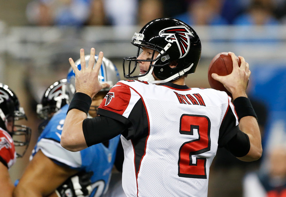 Description of . Atlanta Falcons quarterback Matt Ryan looks to throw during the first quarter of an NFL football game against the Detroit Lions at Ford Field in Detroit, Saturday, Dec. 22, 2012. (AP Photo/Carlos Osorio)