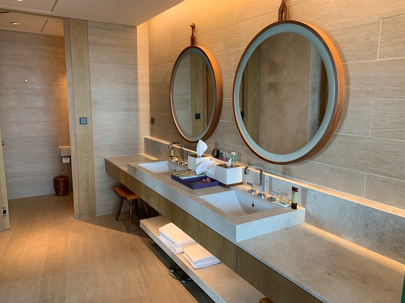 Andaz Singapore Studio Suite Bath Room
