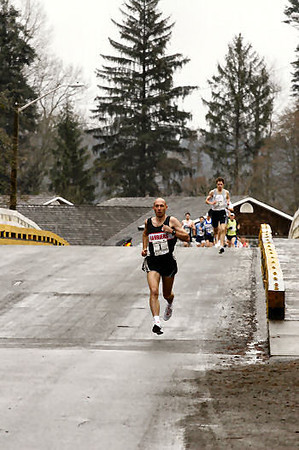 2005 Comox Valley Half Marathon - ComoxHalf2005-Al-Livsey-081.jpg