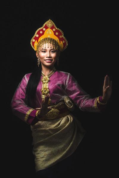 Erra in Tun Perak costume