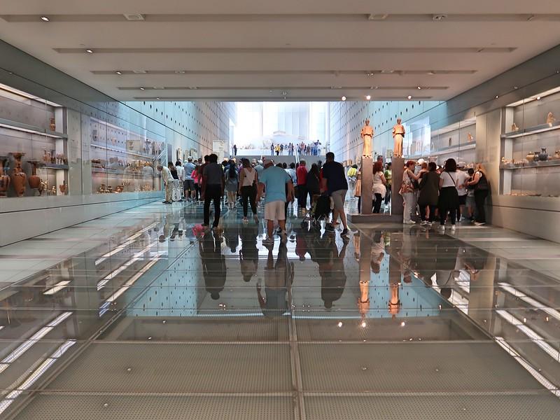 IMG_7970-museum-crowd.jpg