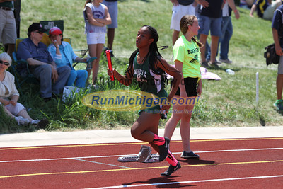 D1 Girls' 4x200 Relay - 2014 MHSAA LP T&F Finals
