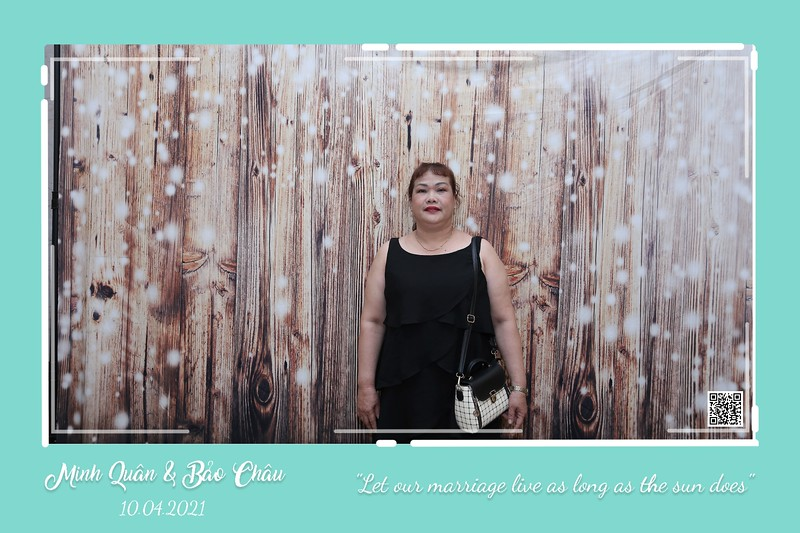 QC-wedding-instant-print-photobooth-Chup-hinh-lay-lien-in-anh-lay-ngay-Tiec-cuoi-WefieBox-Photobooth-Vietnam-cho-thue-photo-booth-005.jpg