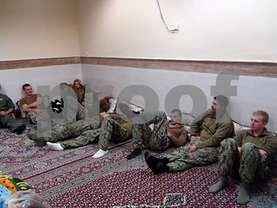us-navy-sailors-held-by-iran-are-released-with-their-boats