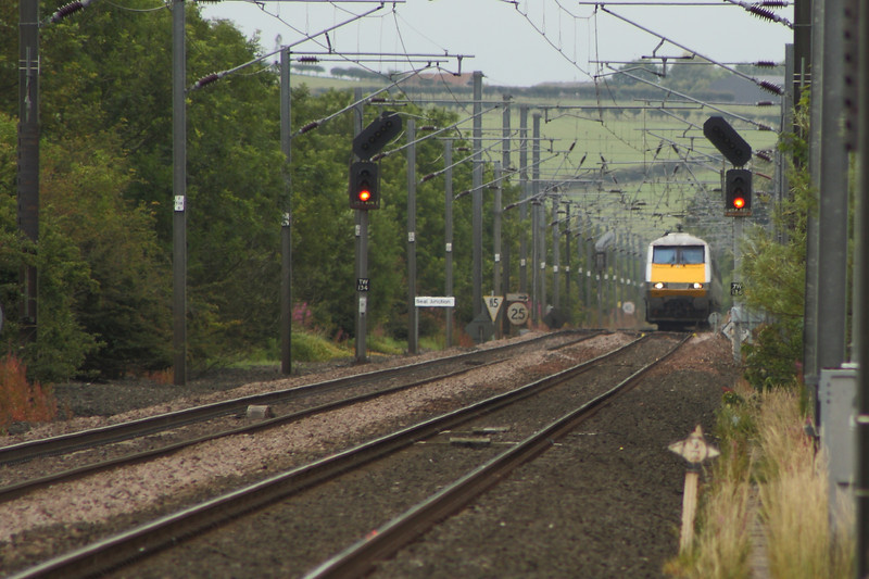 91109 crossing Beal Junction as it heads North with an East Coast service bound for Edinburgh Waverley