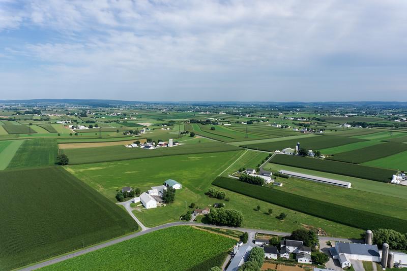 smoketown helicopter - oberholtzer farm.jpg