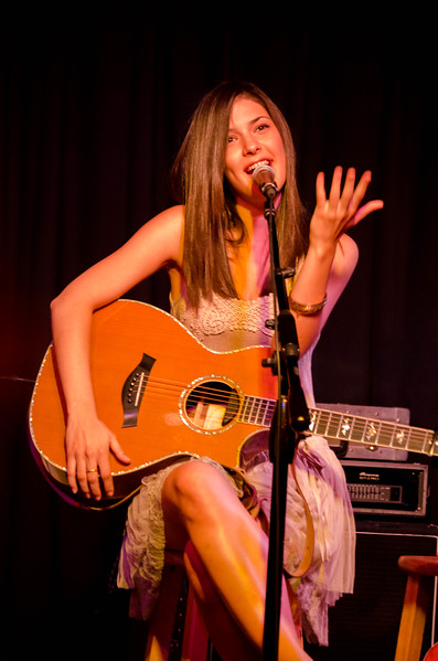 Sara Niemietz in Concert