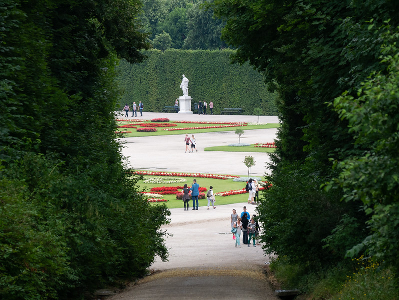 I made my way down, past the tiergarten and down a forested ramp.