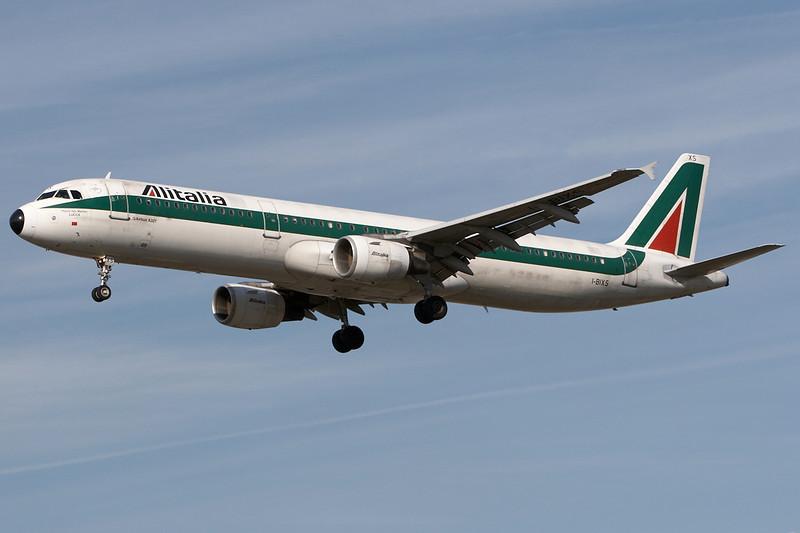 SkyMover_LHR18092007_Alitalia_I-BIXS.jpg