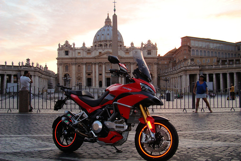 Photo by Greek Multistrada 1200 owner/rider Eleftherios Spourgitis (aka Teris!) - Teris visits Italy... THIS IS AT THE VATICAN CITY (Vatican City State / Stato della Città del Vaticano)