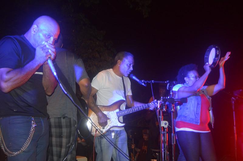 160 Duwayne Burnside Band.jpg