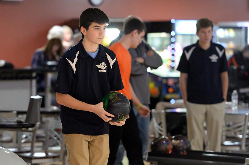 boys_bowling_9803.jpg