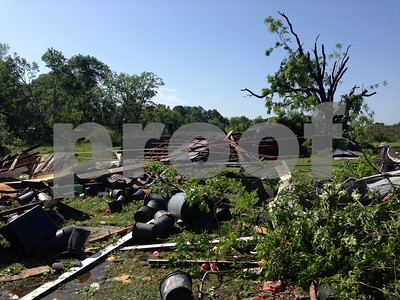lindale-community-begins-cleanup-after-tornado-hit-friday