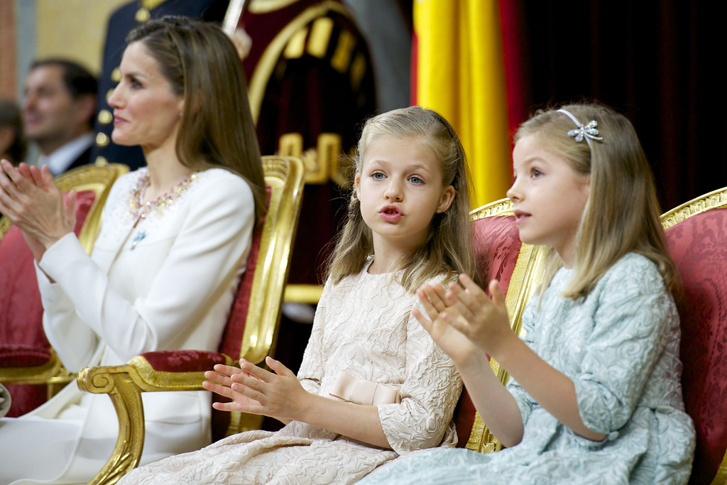 . King Felipe VI of Spain (not picture) attends along side Queen Letizia of Spain (L), Princess Leonor, Princess of Asturias and Princess Sofia of Spain during his inauguration at the Parliament (Congreso de los Diputados) on June 19, 2014 in Madrid, Spain.   (Photo by Juan Naharro Gimenez/Getty Images)