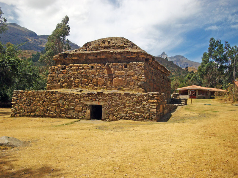 To acclimatise to the altitude, the first day I hiked 7 km to these pre-Inca ruins at Wilkawain. This massive mausoleum had three levels.