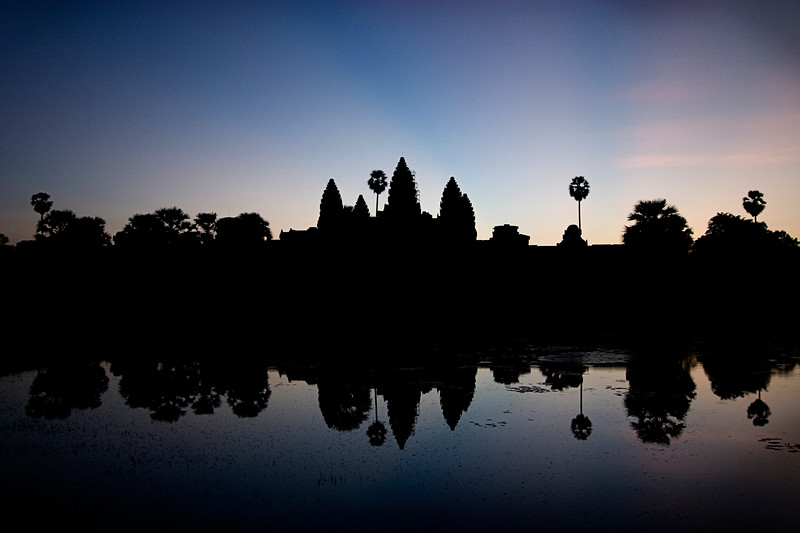 angkor-wat-at-sunrise_2985546617_o.jpg