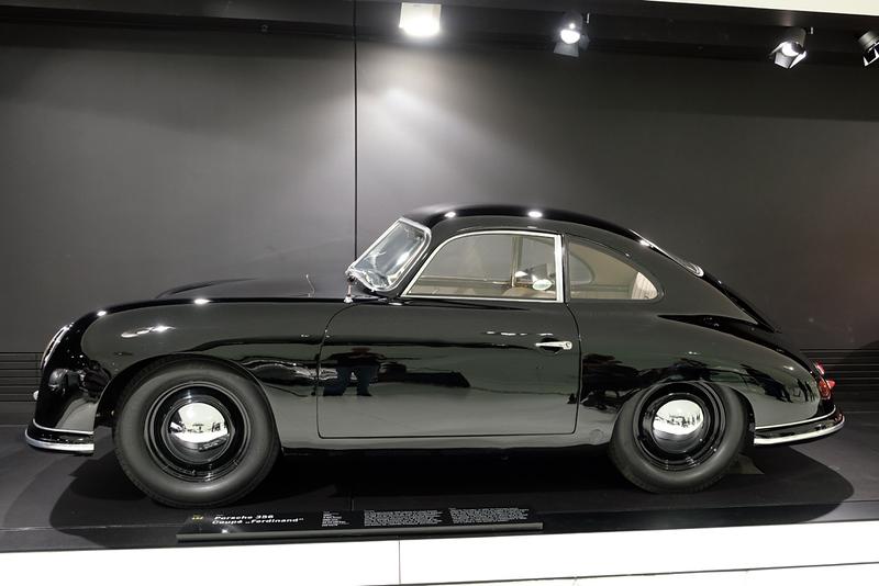 Porsche Museum 356 02.jpg