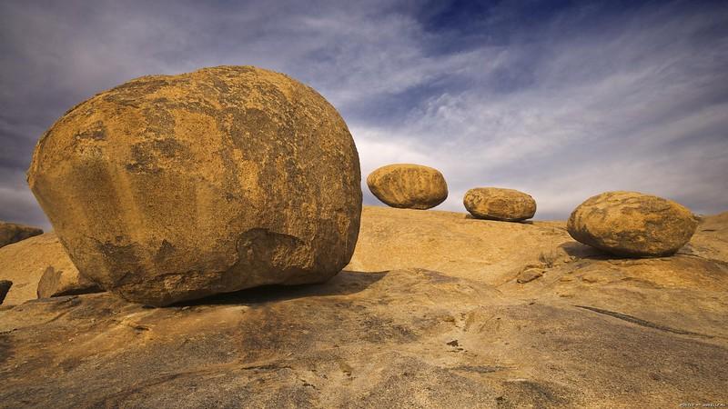 stones_1920x1080_01.jpg