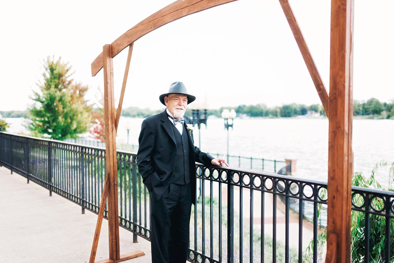 chateau-on-the-river-trenton-michigan-wedding-0082.jpg