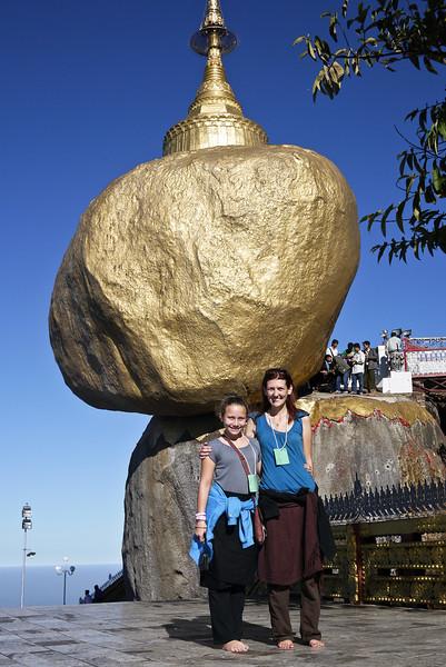 Kyaiktiyo Pagoda, Burma (55).jpg