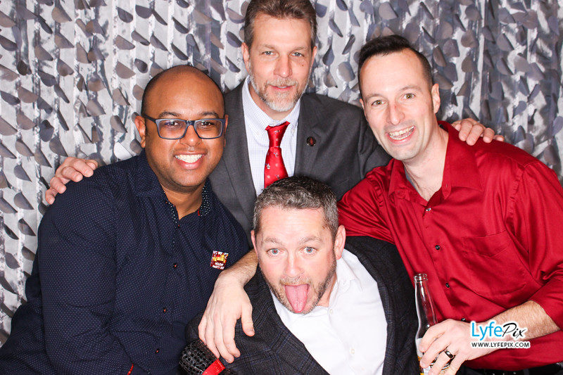 red-hawk-2017-holiday-party-beltsville-maryland-sheraton-photo-booth-0309.jpg