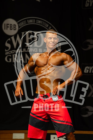 Muscular Mens Physique open