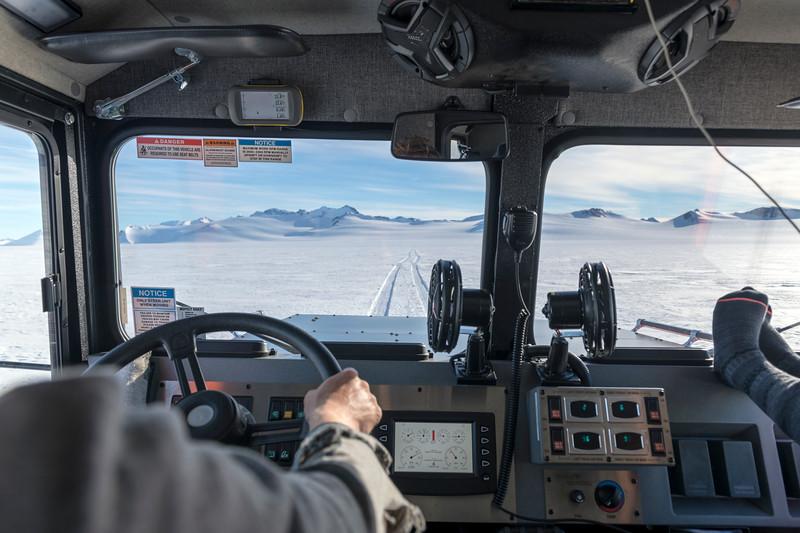 Climb Antarctica Women -1-11-18100900.jpg