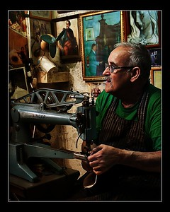 The Shoemaker Master Photographer of Excellence Award -4th Session - Theme Environmental Portrait