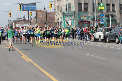 Start 5K Wave 1 - 2013 Corktown Race