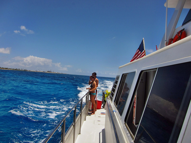 Whale Watching Cruise on Kai Oli Oli along the west coast of Oahu