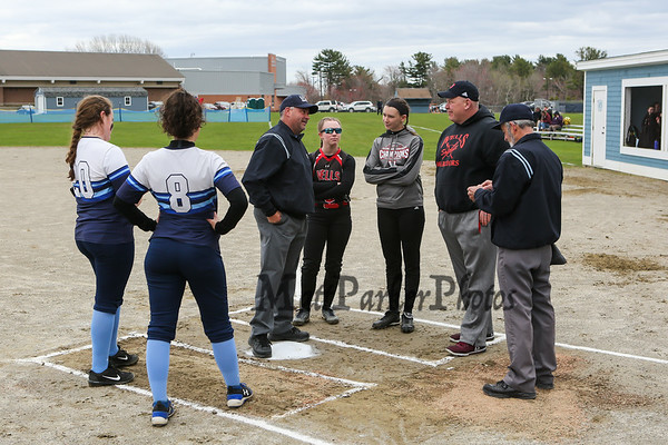 2019-4-27 York Girls Softball vs Wells