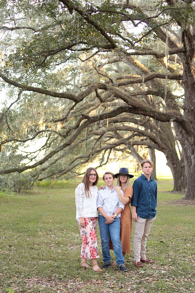 Boho-Neutral-Outdoor-Family-Session-Laural-Wood-Gardens-Dade-City-Florida-Yellow-Couch-Photography-By-Laina-Dade-City-Tampa-Area-Family-and-Lifestyle-Photographer-Laina-Stafford-3.jpg