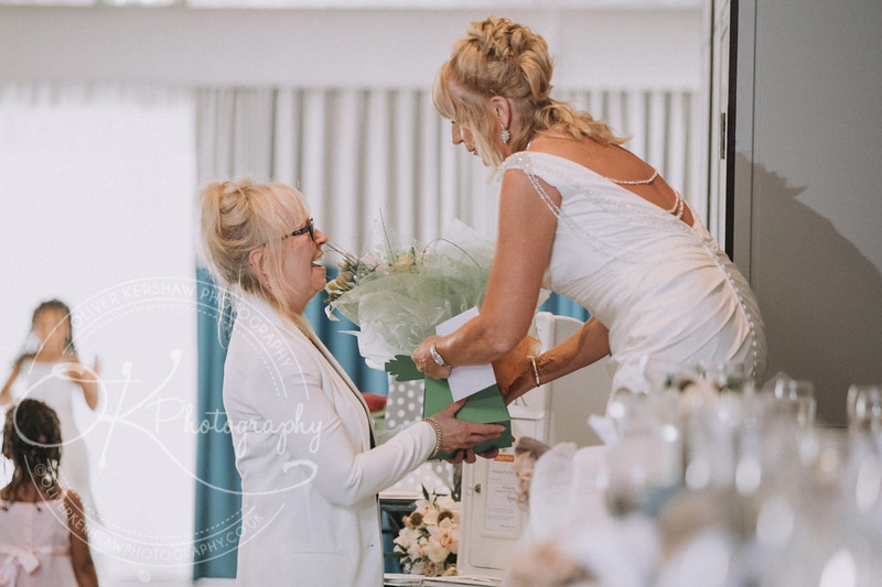 Justine & Nick-Wedding-By-Oliver-Kershaw-Photography-182754.jpg