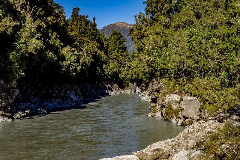 Normalerweise ist das Wasser der «Hokitika Gorge» milchig hellblau, bei meinem Besuch war es alltagsgrau
