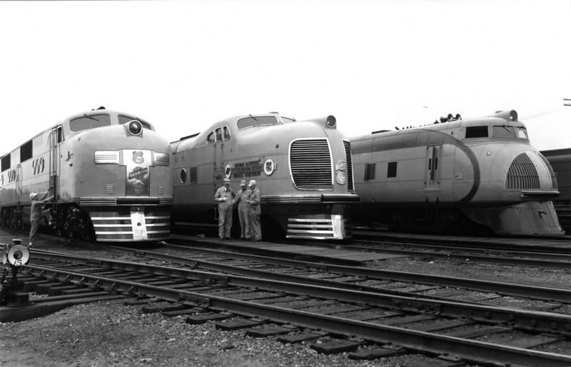 streamliner-line-up_2_up-photo.jpg