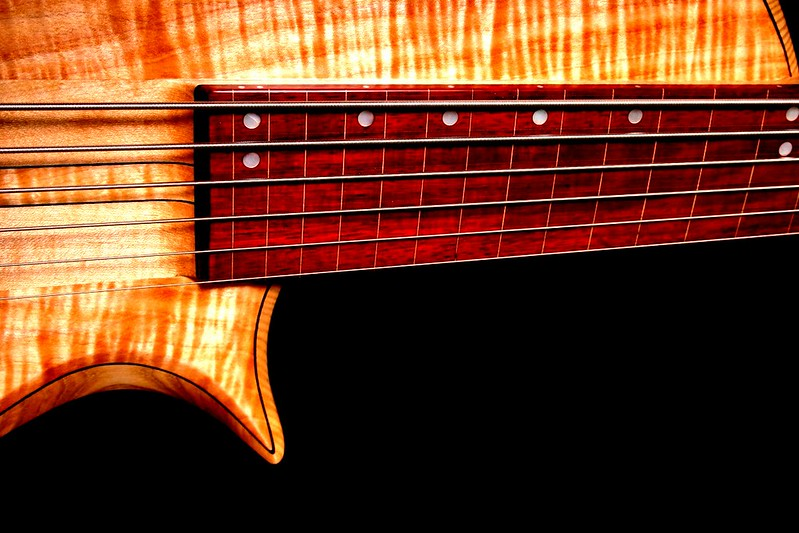 IMG_3042  BLDesign.us: 011 Barbary 6-string set-neck prototype. Photos: Marc Pagano. Slideshow Music: Nick Rosenthal and Beau Leopard.  All Content © 2005-2007 Beau Leopard Design .:. Custom Bass Guitars