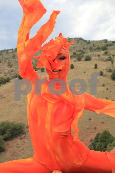 Performer, alien 8569.jpg