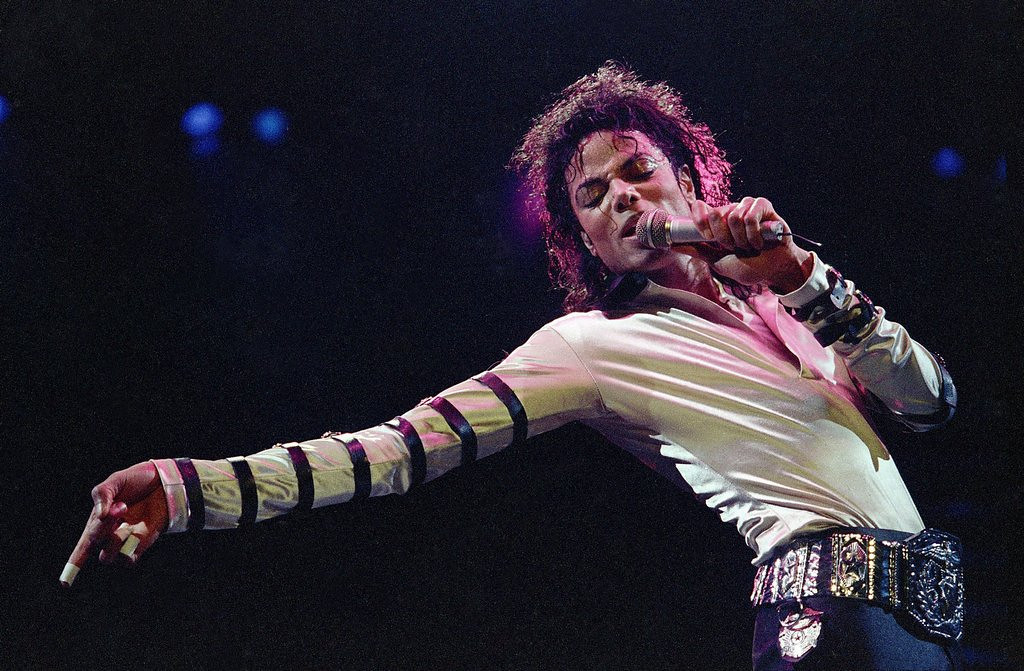 """. <p><b> Viewers tuning in to the Billboard Music Awards on Sunday night were treated to this freakish spectacle � </b> <p> A. Michael Jackson�s hologram <p> B. Miley Cyrus� new video <p> C. A Kardashian family member attempting to read <p><b><a href=\'http://www.twincities.com/breakingnews/ci_25777515/companies-sue-over-possible-jackson-hologram-use\' target=\""""_blank\""""> LINK </a></b> <p>     (AP Photo/Cliff Schiappa, file)"""