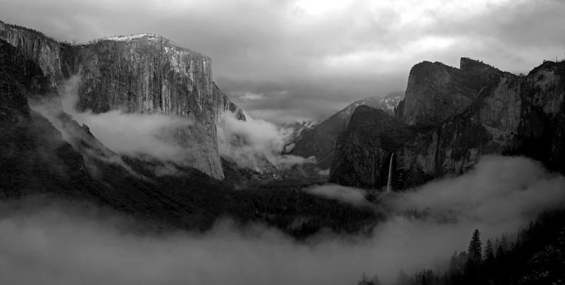 Yosemite New Black and White