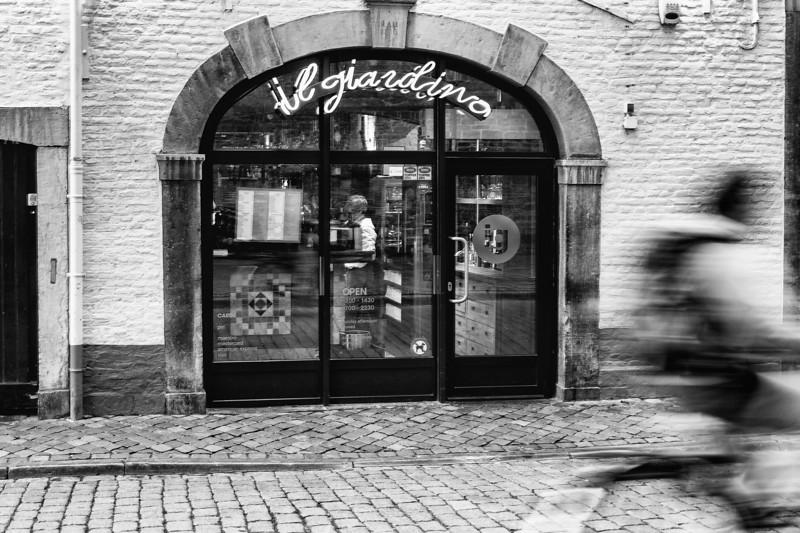Straatfotografie in Maastricht_14052013 (10 van 57).jpg
